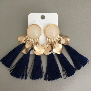 Tassels Earrings ( NWT)